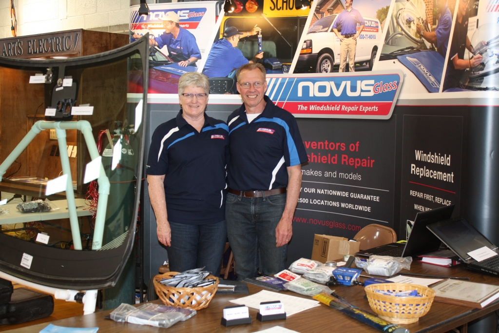 hull-expo-novus-glass